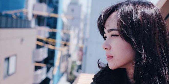 Artis Ini Bernazar Kenakan Baju Adat Minang Sambil Jual Sate Padang, Mengapa
