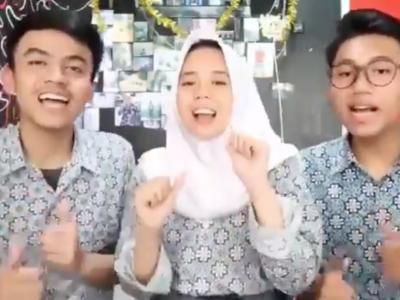 Viral, Anak SMA Buat Goyang Nasi Padang, Tonton Di Sini!