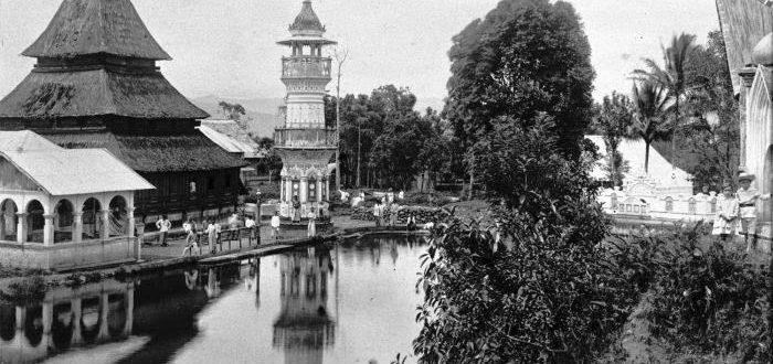 Ini Rahasianya Mengapa Masjid Tua di Minangkabau Selalu ada Kolamnya