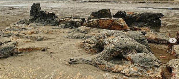 Wisata Pantai Air Manis di Tanah Minang, Melihat Batu Malin Kundang
