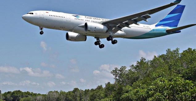 Lancarkan Pariwisata dalam Negeri, Garuda Turunkan Harga Tiket