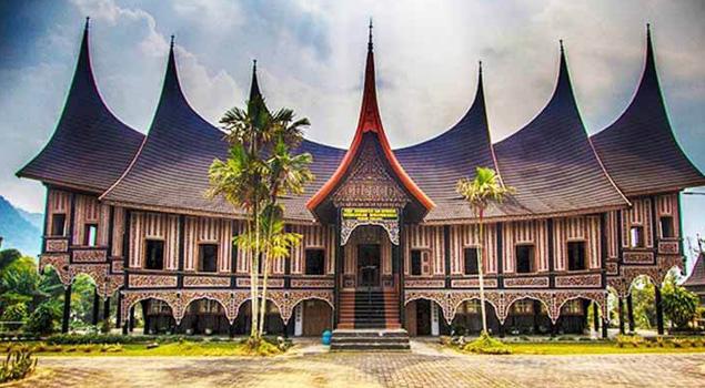 7 Fakta Menarik Terkait Rumah Khas Minangkabau